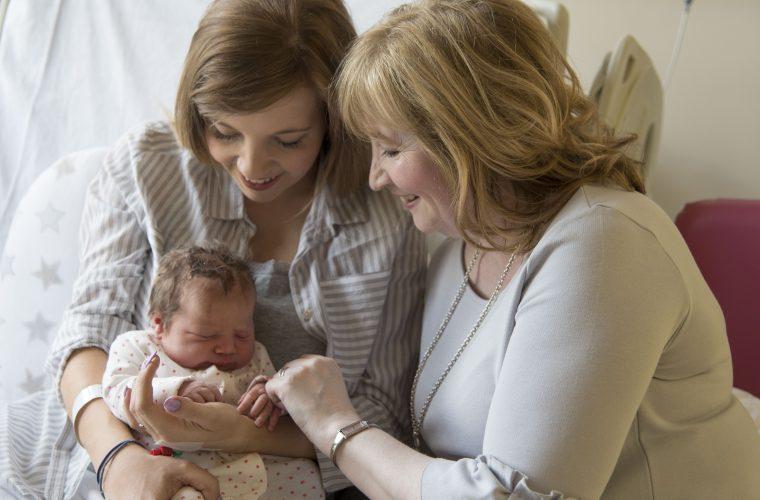 zacházení s novorozencem